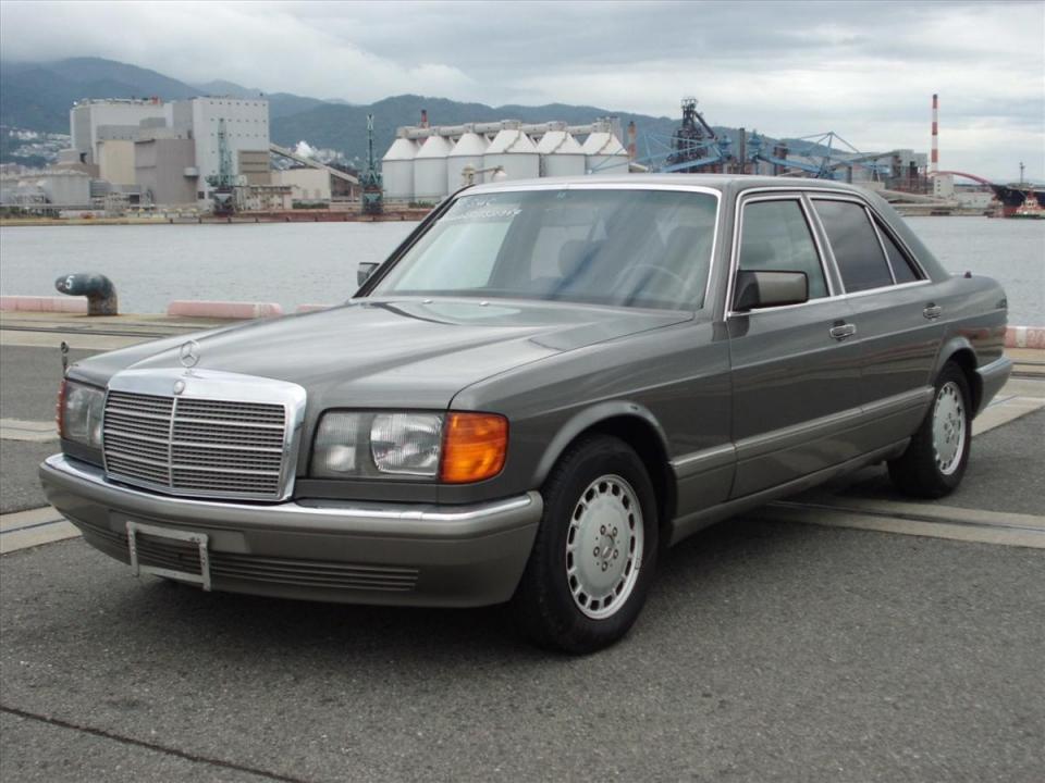 SUC 1990 MercedesBenz SClass 300SE 2132